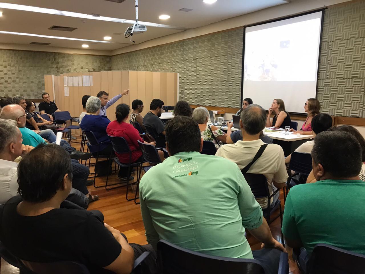 Assembleia de professore da Uergs realizada em fevereiro no Sinpro/RS