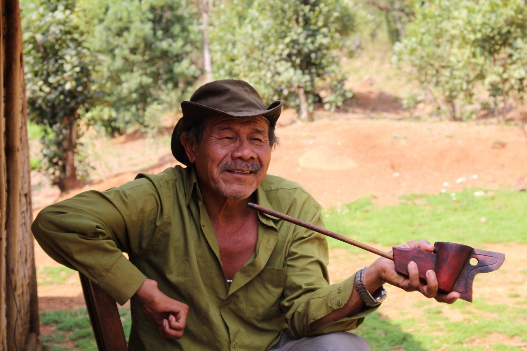 Nelson Florentino, líder indígena na Terra Indígena de Rio d'Areia e autor das 18 obras que compõem o livro Histórias de um Guarani