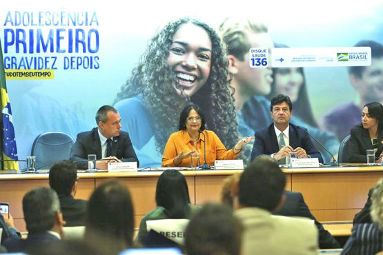 Ministra Damares Alves e o ministro da Saúde, Luiz Henrique Mandetta, durante lançamento de campanha – (Foto Valter Campanato Agência Brasil) | Foto: Valter Campanato /Agência Brasil