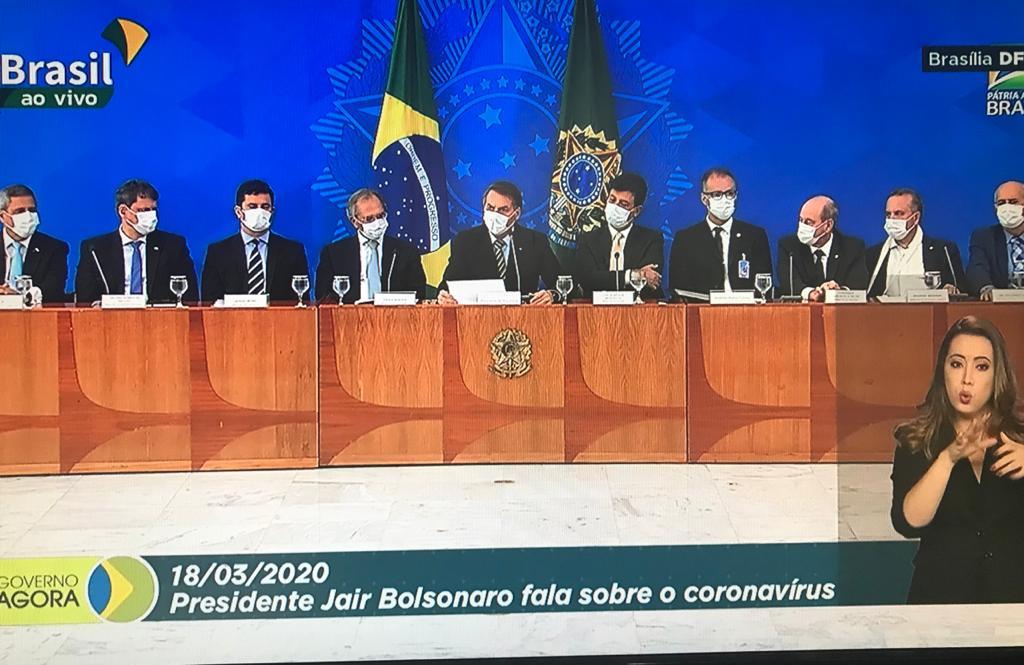 Coletiva de imprensa do presidente Bolsonaro e ministros para anunciar medidas contra o coronavíirus