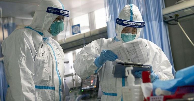 Na China o surto está registrando queda no número de casos