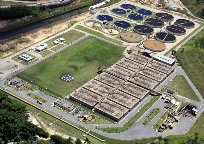 A ETE Onça é responsável pelo tratamento do esgoto de aproximadamente 1 milhão de pessoas, com cerca de 3.500 Km de rede coletora e despoluindo as águas da Bacia do Onça em Minas Rerais