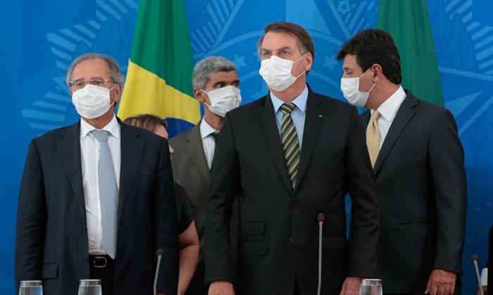 Em meio à pandemia, Bolsonaro e Paulo Guedes arrocham a classe trabalhadora a pretexto de salvar a economia. Mas qual economia?