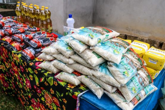 MST doa 12 toneladas de arroz organico | Foto:  Leandro Molina