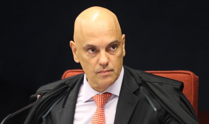 Para Moraes, ao interferir na PF, Bolsonaro feriu a impessoalidade, a moralidade e o interesse público do cargo de presidente
