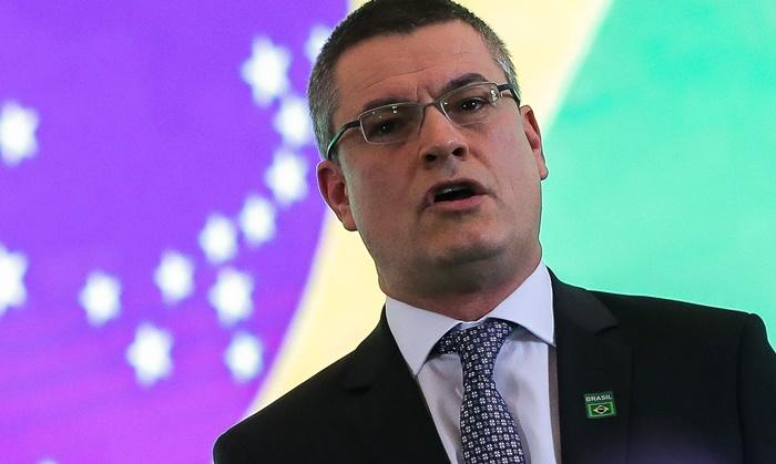 o diretor-geral da Polícia Federal, Maurício Aleixo, exonerado por Bolsonaro por não facilitar acesso à investigação da milícias digitais