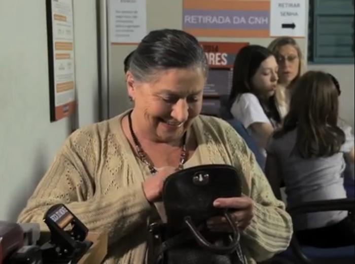 """Frame do curta """"O Fusca e a Dona Hortência"""", de 2014, com direção e argumento de Flávia Seligman"""