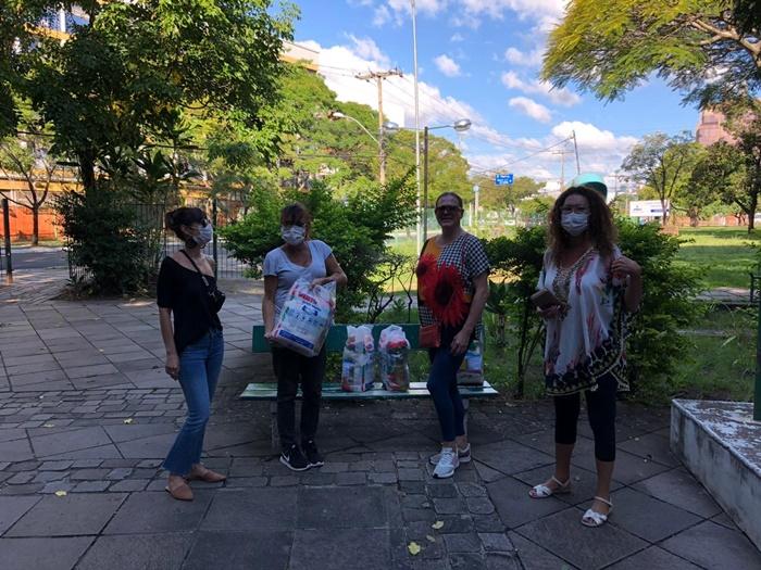 Representantes dos grupos de apoio em Porto Alegre alertam sobre falta de medicamentos e alimentos enfrentadas por portadores de HIV/Aids