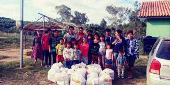Alimentos e materiais de higiene pessoal são entregues semanalmente a comunidades carentes