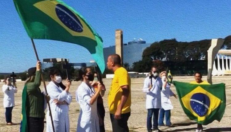 Ele se chama Renan da Silva Sena, foi funcionário terceirizado do Ministério da Mulher, da Família e dos Direitos Humanos (MMFDH) e é missionário da Igreja Batista