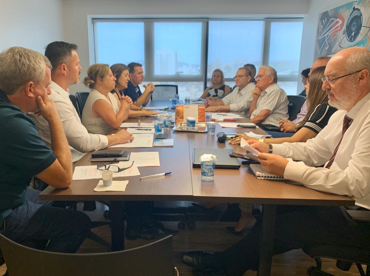 Primeira rodada de negociação entre representantes do Sinpro/RS e o Sindicato Patronal (Sinepe/RS), ocorrida em março.