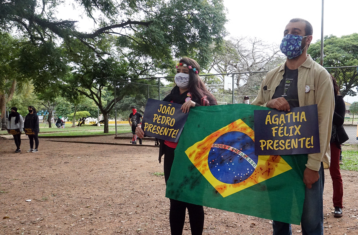 Ato antiofascista e antirracista em Porto Alegre no dia 07 de junho
