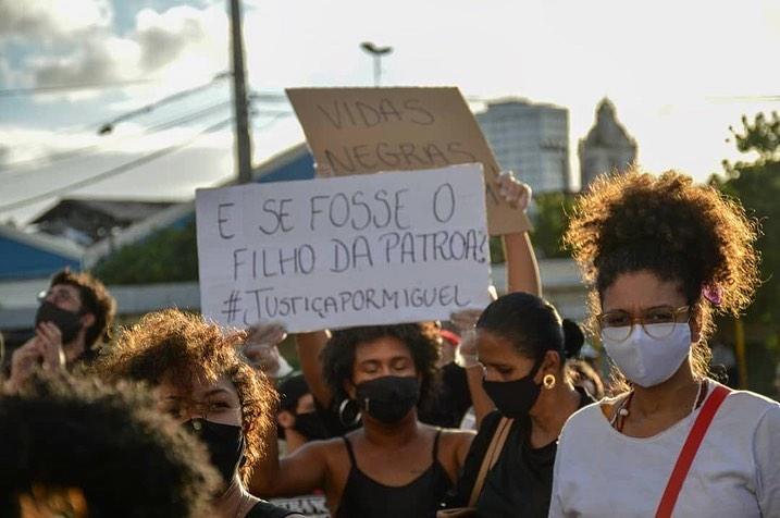 Ato em Recife cobrou justiça para a morte do menino Miguel, de 5 anos