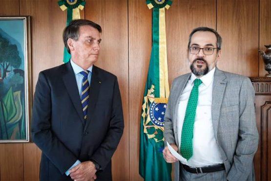 Depois de 14 meses de ataques à educação, aos professores, às universidades públicas e ao STF, o economista anunciou sua demissão em video com Bolsonaro