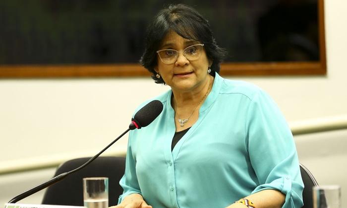 Ministra Damares Alves alegou falta de provas sobre perseguição política para anular anistia a oficiais da Aeronáutica