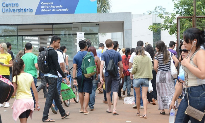 Movimento de estudantes na realização da segunda prova do Enem, em janeiro, antes do isolamento