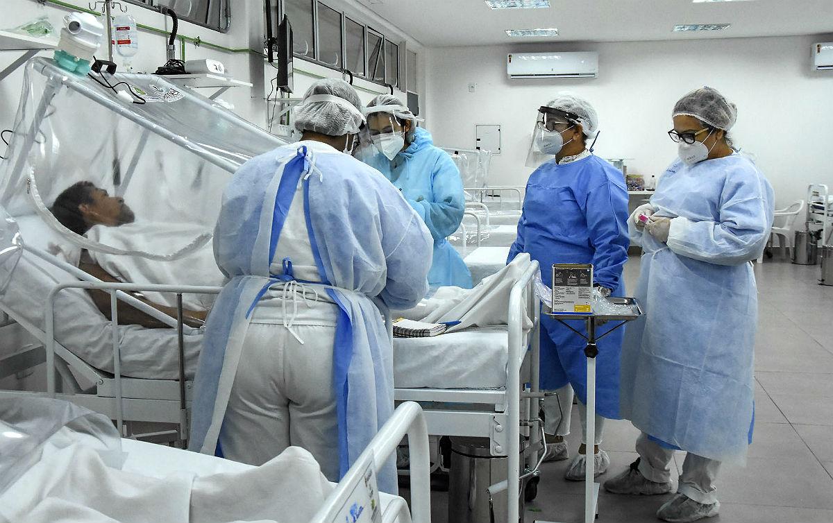 Recentemente o Conselho Federal de Enfermagem (Cofen) registrou que 31.583 enfermeiros, técnicos e auxiliares de enfermagem acabaram se afastando de seus trabalhos por suspeita de Covid-19