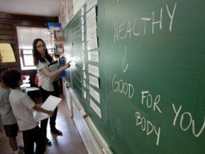 Professores de idiomas definem reivindicações
