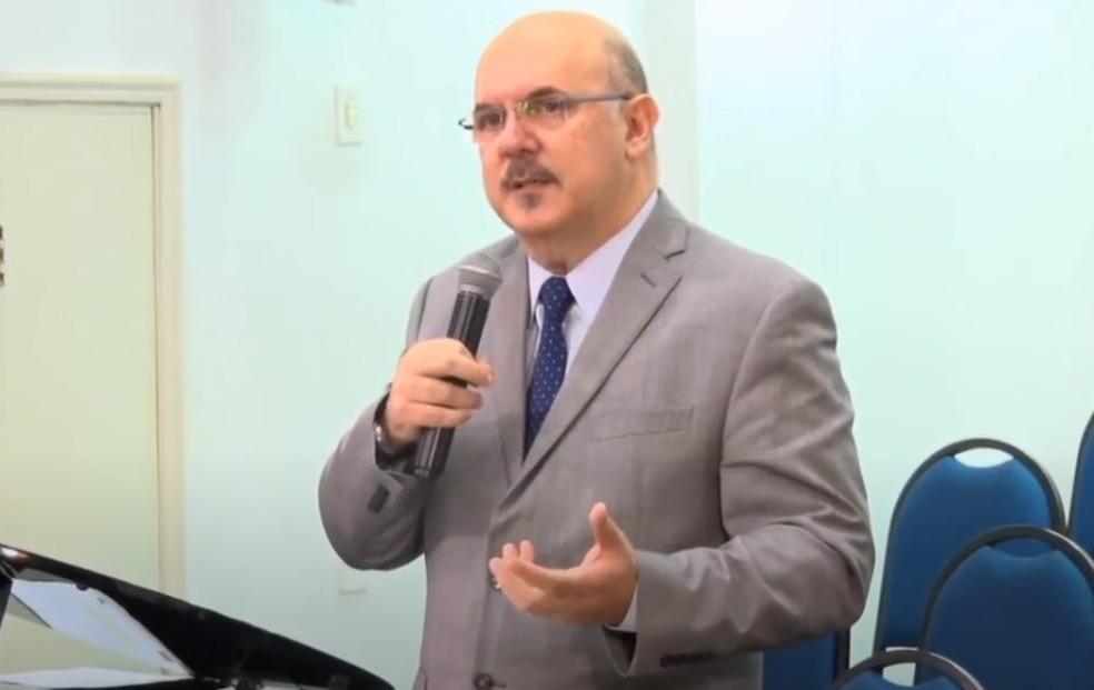 Pastor evangélico é o novo ministro da Educação - Extra Classe