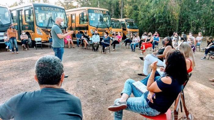 Experiência de reinício das aulas presenciais ao ar livre em Taquara
