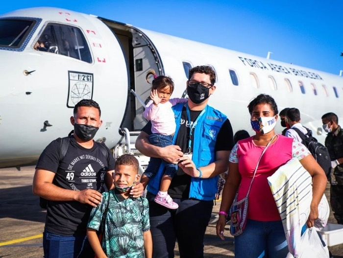 Refugiados que chegam a Boa Vista (RR) são encaminhados a outros estados no programa de interiorização do Acnur