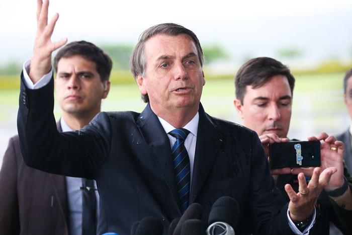 Bolsonaro e ministros proferiram uma série de declarações e atos administrativos que revelam um viés preconceituoso e discriminatório contra o público feminino, reforçando estigmas e estimulando a violência, lembram os procuradores