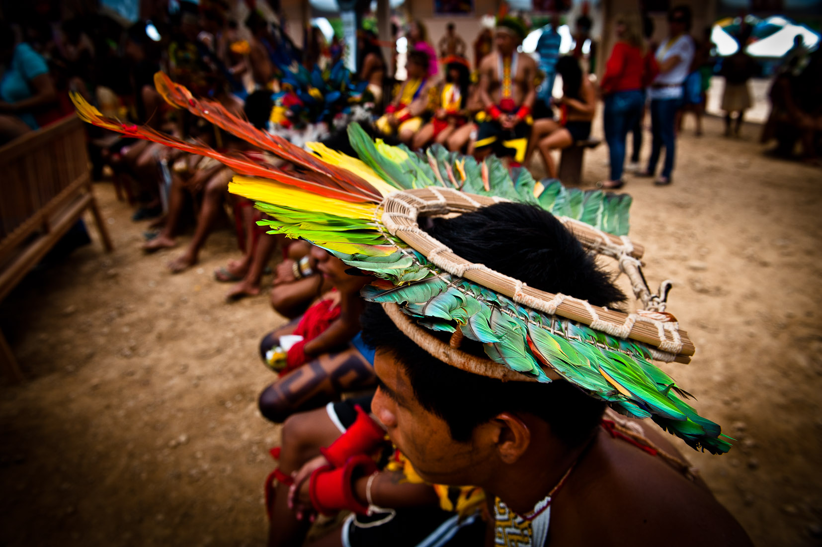 86% contra a autorização de garimpo em territórios reservados aos povos tradicionais. As lideranças indígenas tiveram maior percentual de aprovação na sua atuação em relação a floresta, com uma avaliação positiva por 73% da população