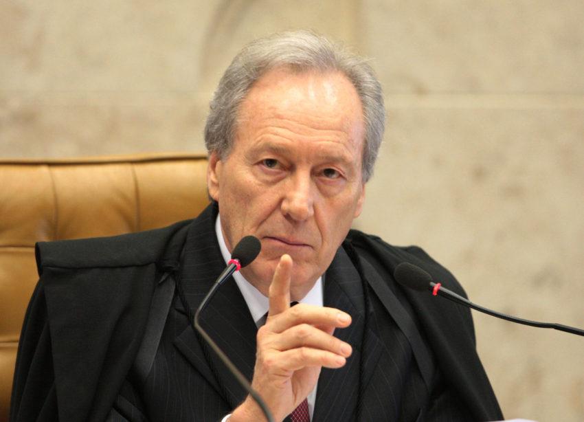 """O Supremo determina o cumprimento da Constituição"""", disse Lewandowski em recado ao governo Bolsonaro"""
