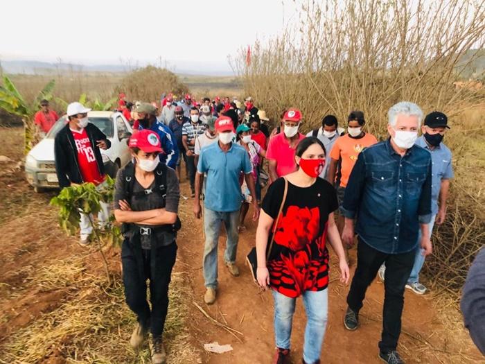 Deputados da Comissão de Direitos Humanos da Câmara fizeram vistoria do assentamento e recorreram ao STF contra a ação de despejo