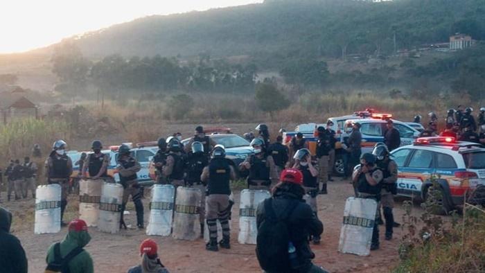 Policiais fizeram novas tentativas de invasão do assentamento na manhã desta quinta-feira