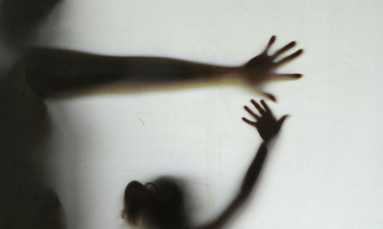 De acordo com o Fórum de Segurança Pública, menos de 10% dos casos de violência sexual são notificados à polícia.