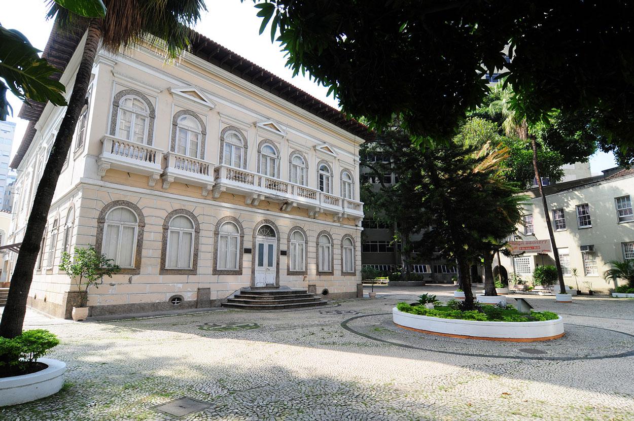 Colégio Metodista Bennet, Zona Sul do Rio de Janeiro (capital), fundado em 1888, encerrará atividades no próximo dia 17 de dezembro