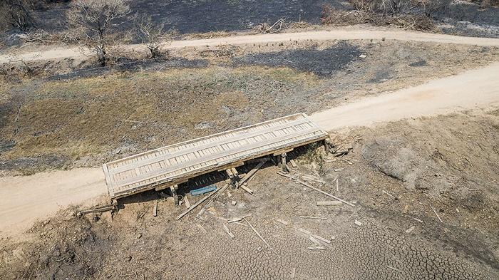 Rodovia Transpantaneira, Poconé/MT: sem água potável e com suas plantações arrasadas pelo fogo, comunidades do Pantanal lutam para sobreviver à tragédia dos incêndios deste ano