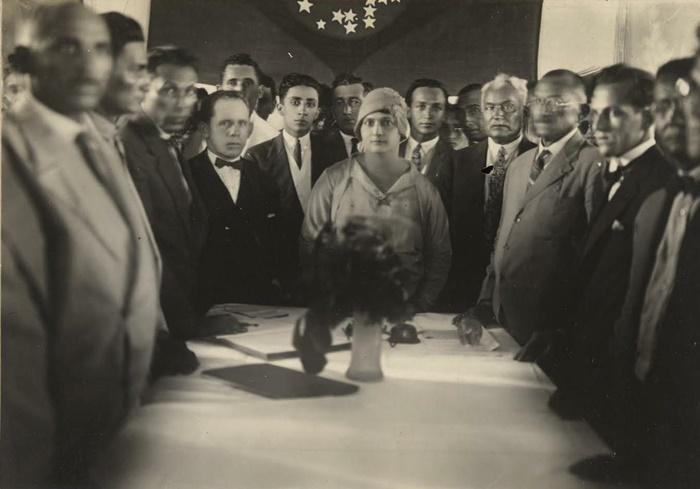 Em 1928, a sufragistaLuiza Alzira Teixeira Soriano foi eleita prefeita de Lajes (RN), tornando-se a primeira prefeita eleita do país