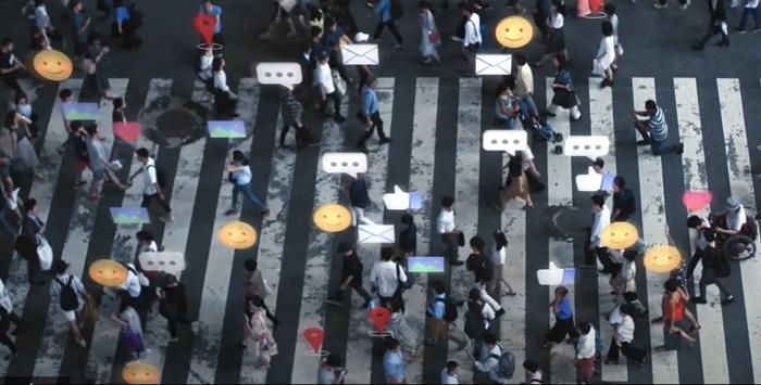 Sistemas democráticos ao redor do mundo estão lidando com dificuldades relacionadas à desinformação das fake news e das máquinas de manipulação de pessoas através de seus perfis de uso de redes, chama-se isso de big data