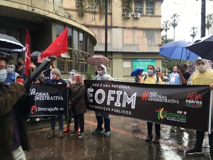 Mobilização da Frente dos Servidores Públicos (FSP-RS) articulada pelos sindicatos e associações no final de setembro, contra a reforma administrativa