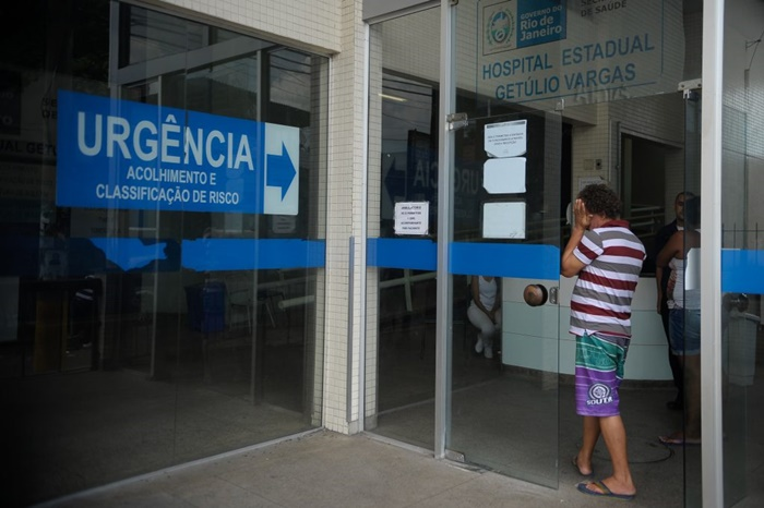 Investimento em saúde pública no Brasil, incluindo remuneração de servidores, é um dos piores do mundo, pouco mais de 1,3 mil dólares per capita, enquanto os EUA investem mais de 10 mil dólares por habitante