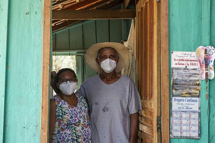 Creusa e Armindo, moradores da comunidade Piúva, em Barão Melgaço (MT), tiveram suas terras queimadas em um dos incêndios que se espalhou pelo Pantanal