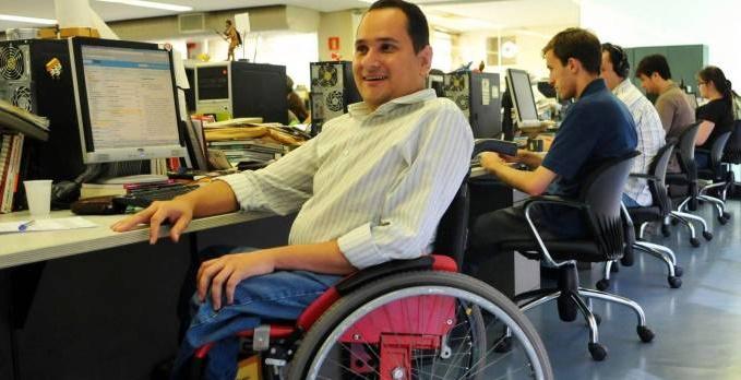 O jornalista Jairo Marques não teve, por morar nos grotões de Minas, a chance de ser vacinado
