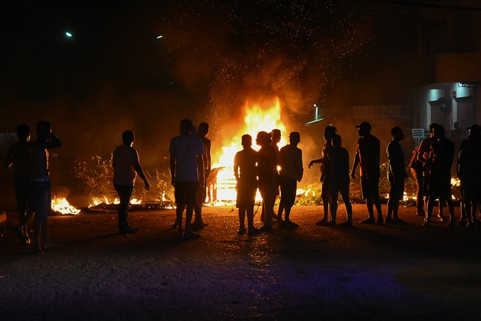 Apagão provoca desabastecimento e revoltas da população desde o dia 3