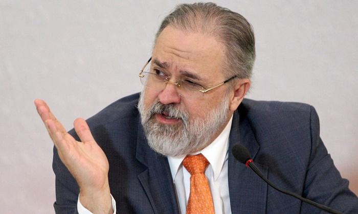 O PGR Augusto Aras, aliado dos Bolsonaro, deve engavetar mais esse pedido do STF