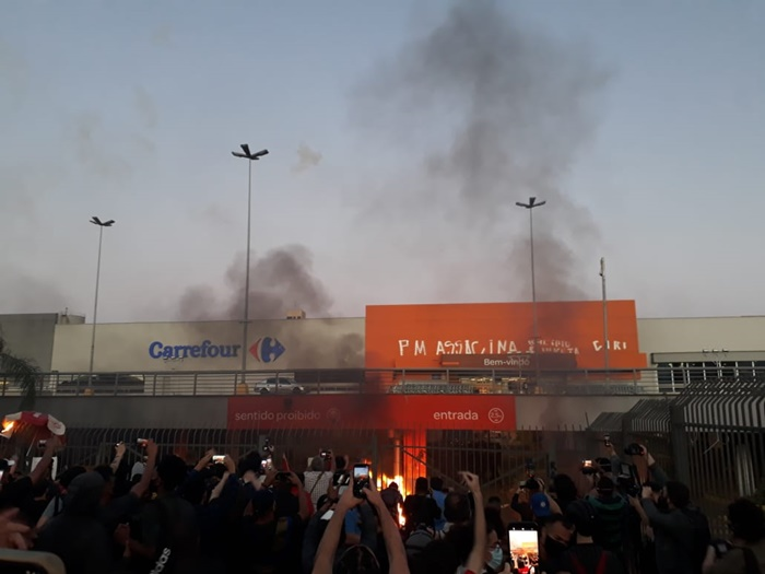 CARREFOUR 9