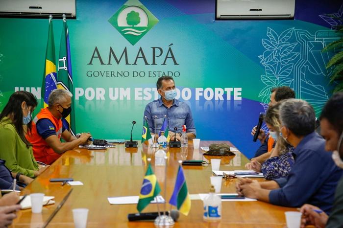 Reunião do comitê de gerenciamento de crise com representantes da Secretaria Nacional de Proteção e Defesa Social, Exército, Infraero e Ministério Público Federal definiu rodízio