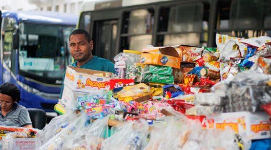 Racismo e mercado de trabalho: pandemia piorou desigualdades entre negros e brancos | Foto: Pedro Vidal/Agência IBGE Notícias