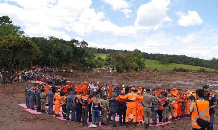 Homenagem às vítimas e famílias atingidas pelo rompimento da barragem de rejeitos da Mina Córrego do Feijão, da Vale, em Minas Gerais, em janeiro de 2019