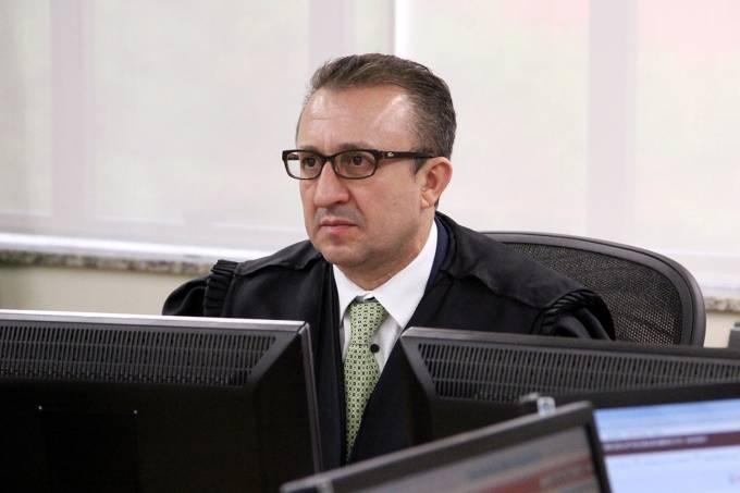 Em seu despacho, Favreto admitiu que o ex-parlamentar sofreu perseguição política, prisão arbitrária e dano moral, mas negou pensão mensal à viúva