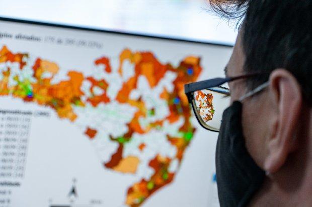Das 16 regiões de saúde avaliadas, apenas três, Extremo-Oeste, Alto Uruguai Catarinense e Foz do Rio Itajaí, não ficaram no Risco Gravíssimo