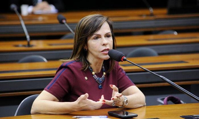 """""""Queremos garantir os 30% de candidaturas e de financiamento e também vaga efetiva"""", diz Dorinha, coordenadora da bancada feminina na Câmara"""