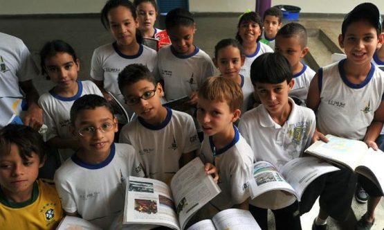 Em debate a tributação dos 0,3% mais ricos para investir em educação | Foto: Marcello Casal Jr/ Agência Brasil