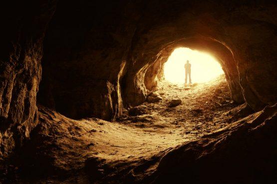 A educação na caverna | Foto: Reprodução/Web